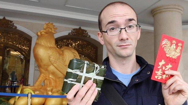 Thầy giáo Tây bóc mẽ lỗi phát âm của giáo viên Việt lên tiếng khi bị tố cạnh tranh không lành mạnh - Ảnh 6.