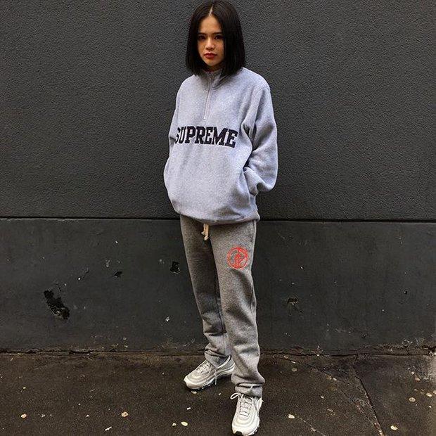 Feifei - cô nàng 20 tuổi được bố mẹ cho hơn 200 triệu đồng/tháng chỉ để mua đồ streetwear - Ảnh 14.