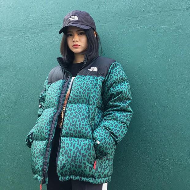 Feifei - cô nàng 20 tuổi được bố mẹ cho hơn 200 triệu đồng/tháng chỉ để mua đồ streetwear - Ảnh 17.