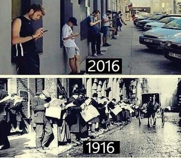 Ngày xưa người ta cắm mặt vào báo giấy, còn thời buổi công nghệ như này, điện thoại mới là nhất - Ảnh 1.