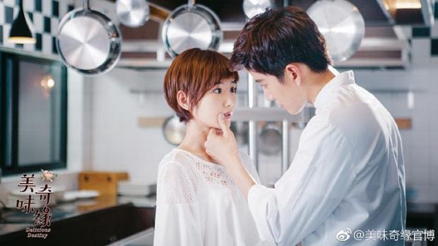 Truyền hình Hoa Ngữ tháng 9: Trai xinh gái đẹp quen mặt nhường sân cho dàn sao cực chất! - Ảnh 21.