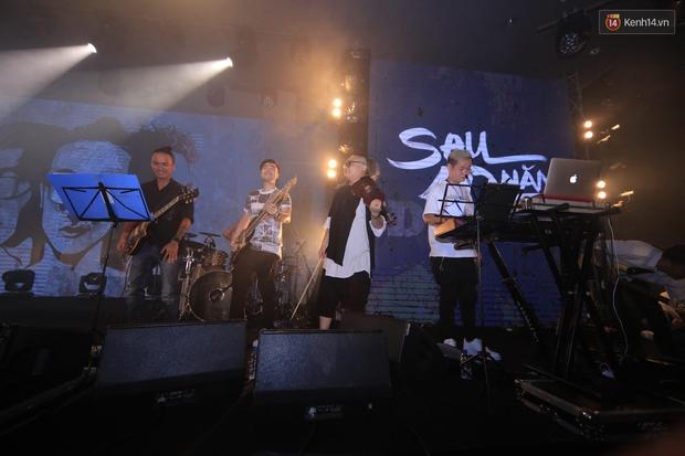 2.500 fan vỡ òa với show kỉ niệm 10 năm ca hát của Da LAB - Ảnh 13.