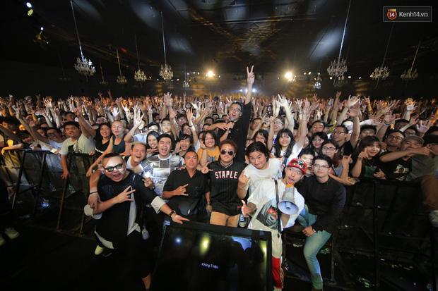 2.500 fan vỡ òa với show kỉ niệm 10 năm ca hát của Da LAB - Ảnh 16.