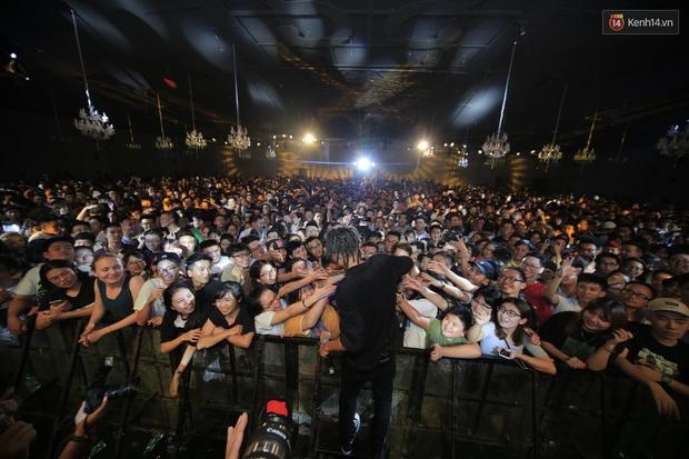 2.500 fan vỡ òa với show kỉ niệm 10 năm ca hát của Da LAB - Ảnh 17.