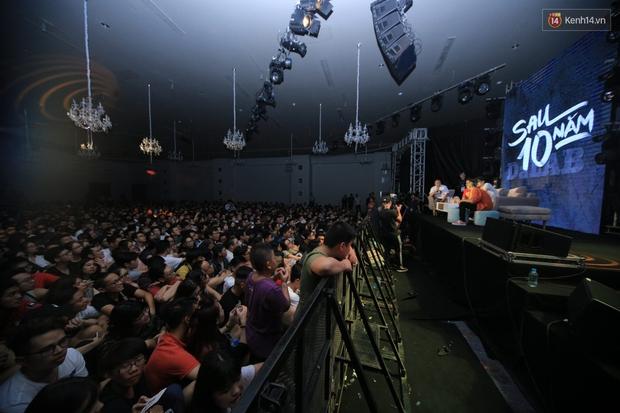 2.500 fan vỡ òa với show kỉ niệm 10 năm ca hát của Da LAB - Ảnh 7.