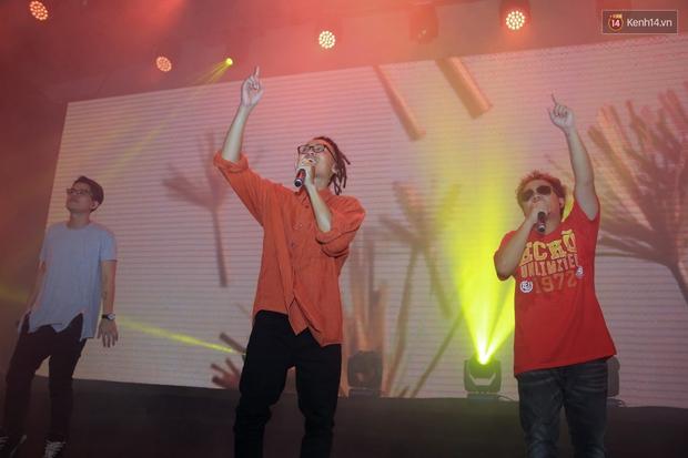 2.500 fan vỡ òa với show kỉ niệm 10 năm ca hát của Da LAB - Ảnh 9.