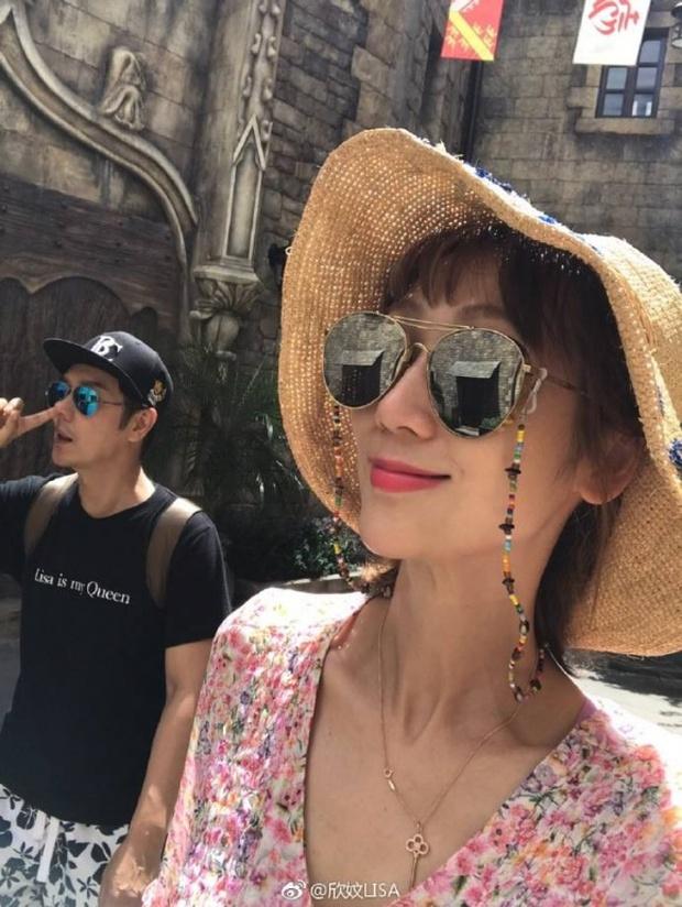 Vợ tài tử Thiên Long Bát Bộ Trần Hạo Dân khoe dáng nuột nà tại Đà Nẵng sau khi sinh 4 con - Ảnh 3.