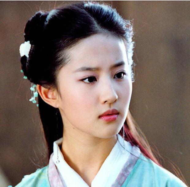 Lưu Diệc Phi tròn 30 tuổi: Hành trình nhan sắc đẹp hoàn hảo từ nhỏ tới lớn - Ảnh 8.