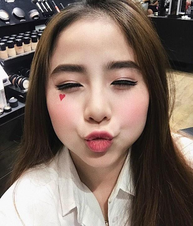 Đây là cô gái Việt có khuôn mặt tròn được khen là xinh nhất! - Ảnh 4.