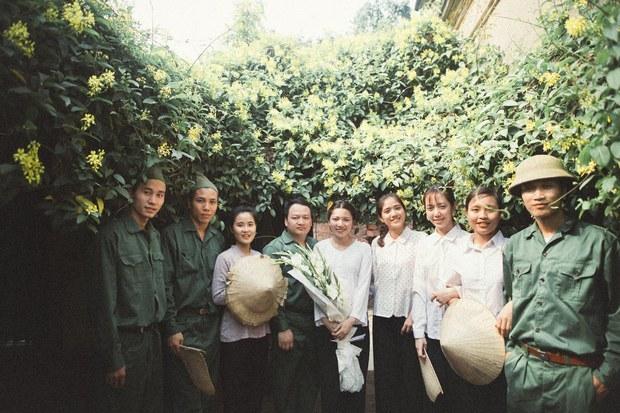 Độc nhất vô nhị: Chụp một lần, cặp đôi tái hiện được tất cả các kiểu lễ cưới Việt Nam trong 100 năm qua! - Ảnh 4.