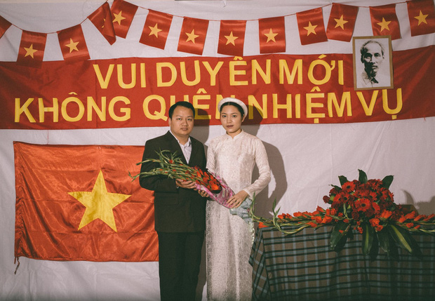 Độc nhất vô nhị: Chụp một lần, cặp đôi tái hiện được tất cả các kiểu lễ cưới Việt Nam trong 100 năm qua! - Ảnh 7.