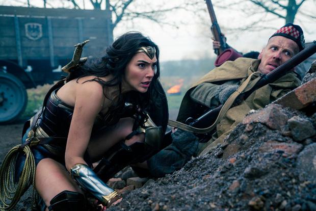 Câu trả lời cho thanh kiếm bí ẩn trong Wonder Woman - Ảnh 16.