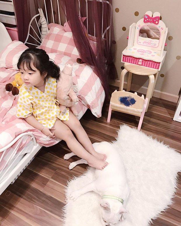 Ai cũng tan chảy khi thấy bé gái xinh xắn bật khóc vì bố dám nhếch mắt nhìn con - Ảnh 7.