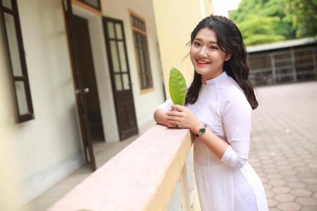 Nữ sinh Nghệ An xinh đẹp đạt 9.75 điểm môn Văn, được tuyển thẳng vào ĐH Sư phạm Hà Nội - Ảnh 1.