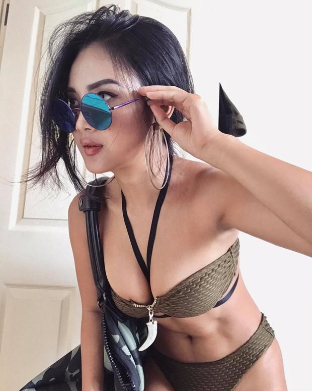 Cô gái Sài Gòn cao một mét bẻ đôi sexy hết nấc khiến ai cũng phải ngoái nhìn - Ảnh 2.