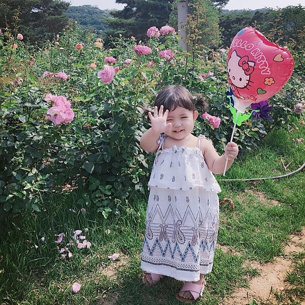 Cô nhóc Hàn Quốc dễ thương như thiên thần, ngắm ảnh chỉ muốn có con gái luôn thôi - Ảnh 11.