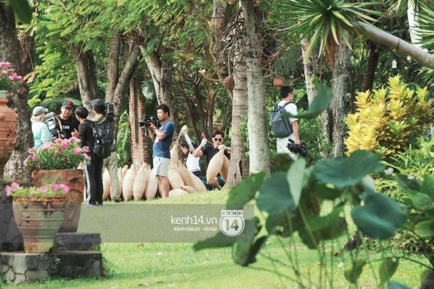 Amazing Race Trung Quốc tại Việt Nam: Vương Lệ Khôn - Trịnh Nguyên Sướng mặc áo dài, kiệt sức dưới trời nắng - Ảnh 11.