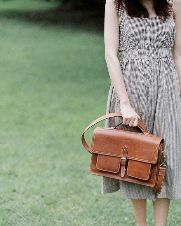 Ai bảo túi đi học không thể trendy? Đây là 5 kiểu túi cực xinh và chất mà các nàng có thể diện đến trường - Ảnh 2.