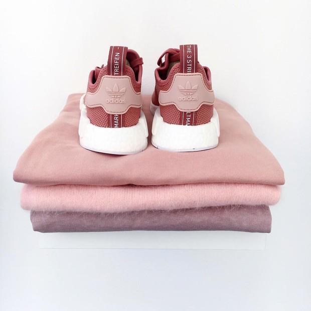 8/3 mà được tặng 1 trong 4 đôi sneaker màu hường siêu xinh này thì tuyệt vời ông mặt trời! - Ảnh 4.