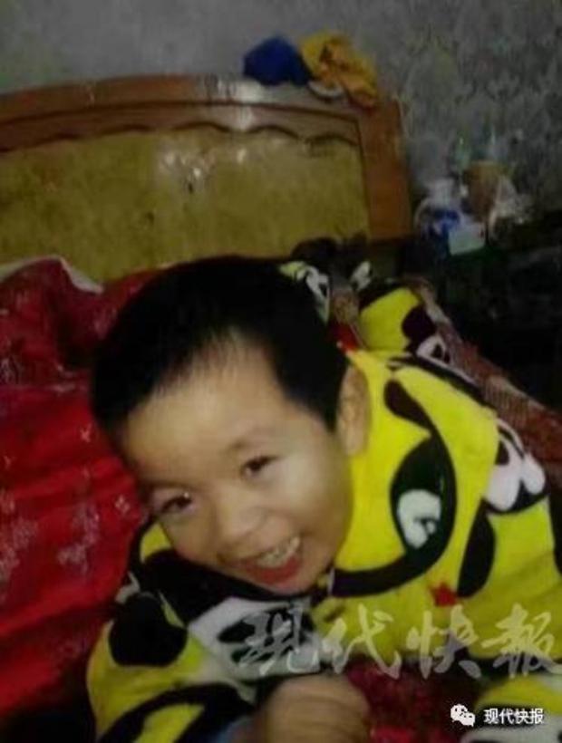 Giết con trai 6 tuổi rồi giấu xác dưới gầm giường, người mẹ trẻ vẫn ngủ ngon lành bên trên - Ảnh 1.
