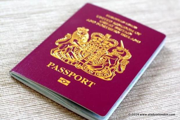 Bí mật về màu sắc của những cuốn hộ chiếu trên thế giới - Ảnh 2.