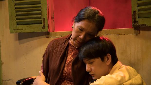 Xem gì dịp cuối tuần: Màn ảnh sâu lắng hơn khi xuất hiện một phim về tình mẹ - Ảnh 2.