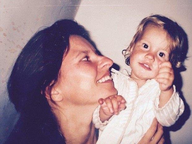 Từ chối hóa trị cho con gái mới sinh bị ung thư bạch cầu, người mẹ khóc òa khi nhận được cái kết - Ảnh 2.