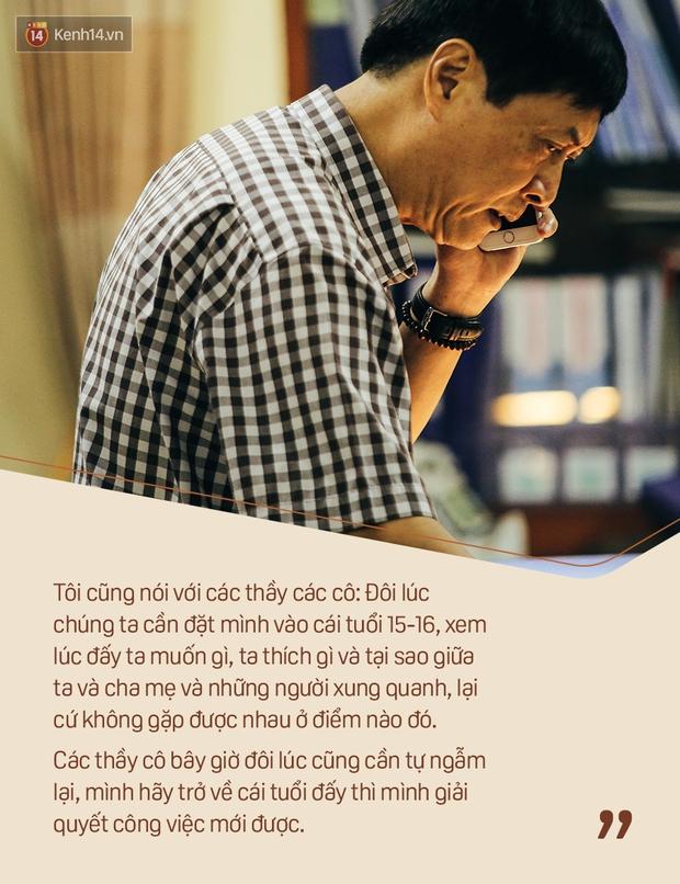 Chỉ còn 1 năm cuối ở Việt Đức nữa thôi, thầy Bình sẽ luôn được học sinh nhớ đến là thầy hiệu trưởng vui vẻ nhất Hà Nội! - Ảnh 7.