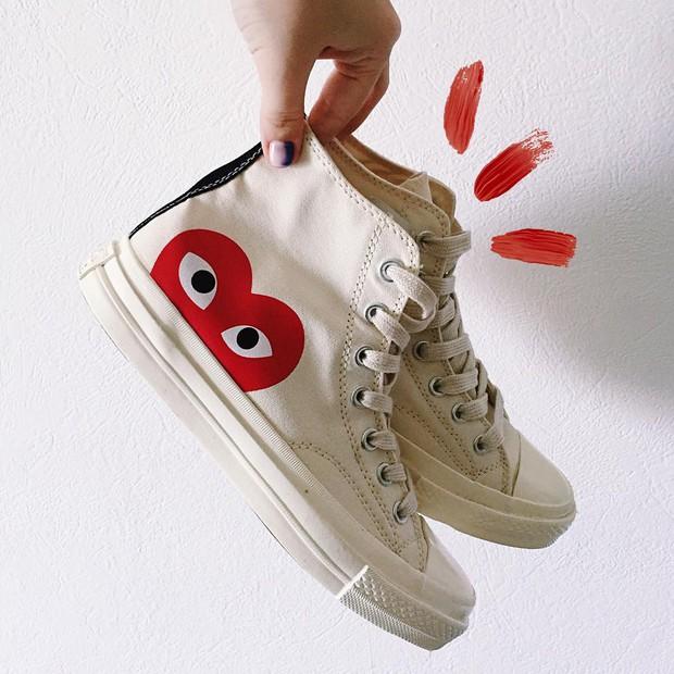 Converse x COMME des GARÇONS Play: đôi sneaker ra mắt đã lâu nhưng chưa bao giờ giới trẻ thôi mê đắm - Ảnh 7.