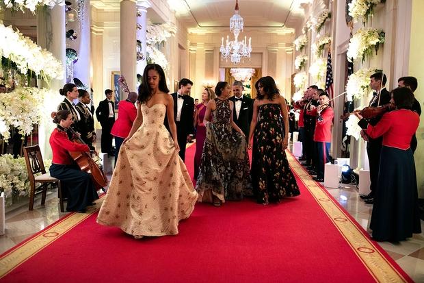 Những khoảnh khắc đáng nhớ bên vợ con của Tổng thống Obama trong 8 năm đương nhiệm - Ảnh 39.