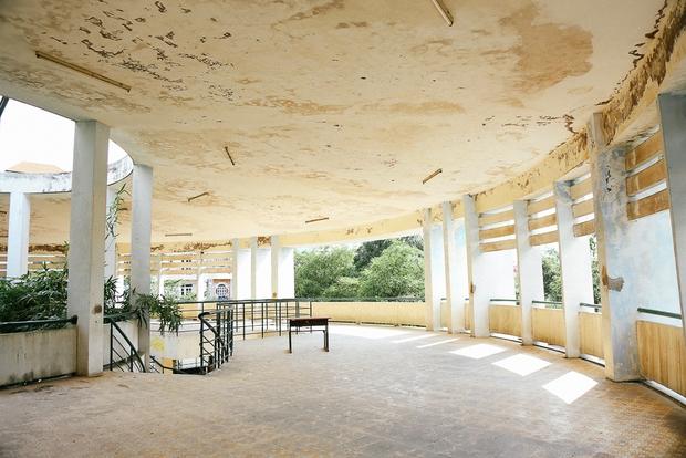 Cảnh u ám bên trong ngôi trường tiểu học 20 tỷ đồng bị bỏ hoang gần 10 năm giữa Sài Gòn - Ảnh 5.