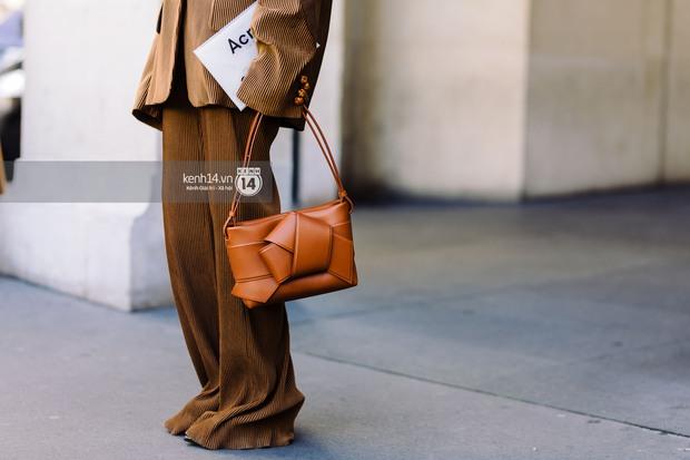Nếu nghĩ street style tại Paris Fashion Week chỉ là cuộc chiến váy áo thì bạn nhầm to rồi - Ảnh 20.