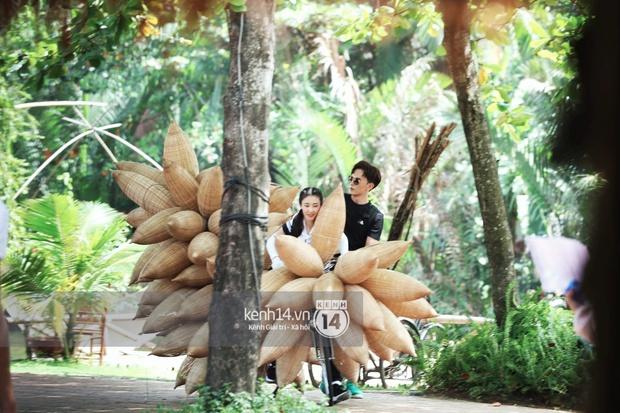 Amazing Race Trung Quốc tại Việt Nam: Vương Lệ Khôn - Trịnh Nguyên Sướng mặc áo dài, kiệt sức dưới trời nắng - Ảnh 18.