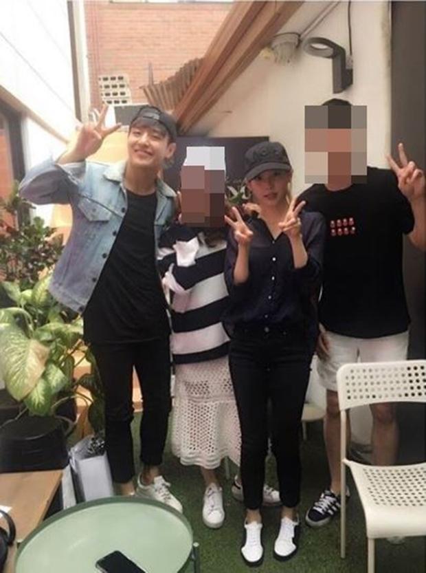 Lộ ảnh được cho là bằng chứng cặp đôi Người tình ánh trăng Kang Ha Neul và IU đang hẹn hò - Ảnh 1.