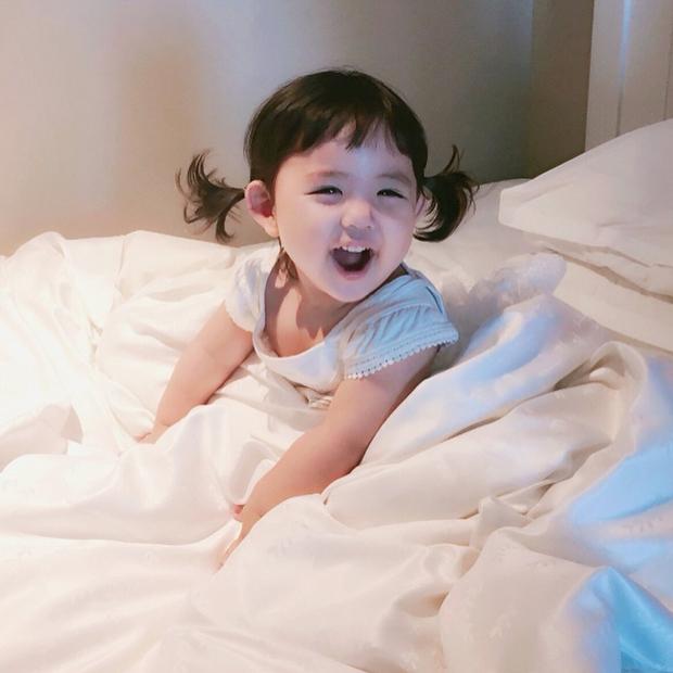 Cô nhóc Hàn Quốc dễ thương như thiên thần, ngắm ảnh chỉ muốn có con gái luôn thôi - Ảnh 10.