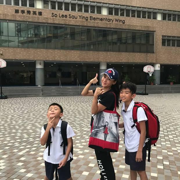 Bố Tạ Đình Phong rơi nước mắt vì con trai ly hôn với Trương Bá Chi - Ảnh 4.
