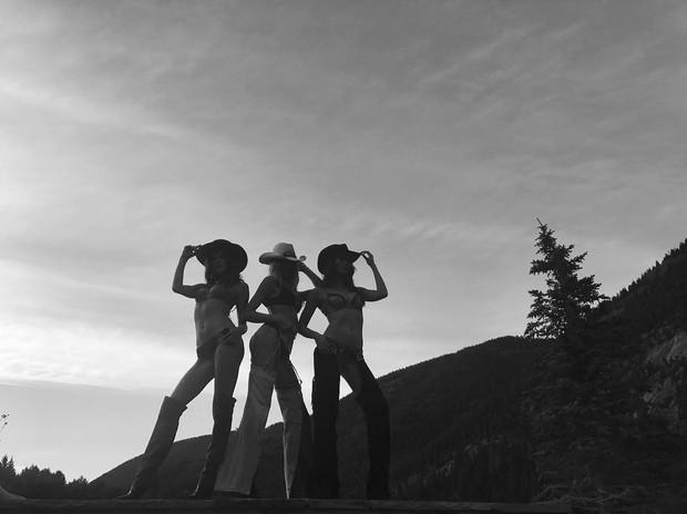Hậu trường siêu gợi cảm của dàn mỹ nhân Victorias Secret chứng minh: Thiên thần là có thật! - Ảnh 28.
