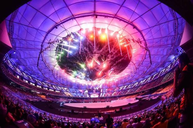 Lễ hội sắc màu rực rỡ khai màn SEA Games 29 - Ảnh 3.