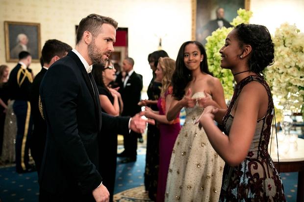 Những khoảnh khắc đáng nhớ bên vợ con của Tổng thống Obama trong 8 năm đương nhiệm - Ảnh 41.