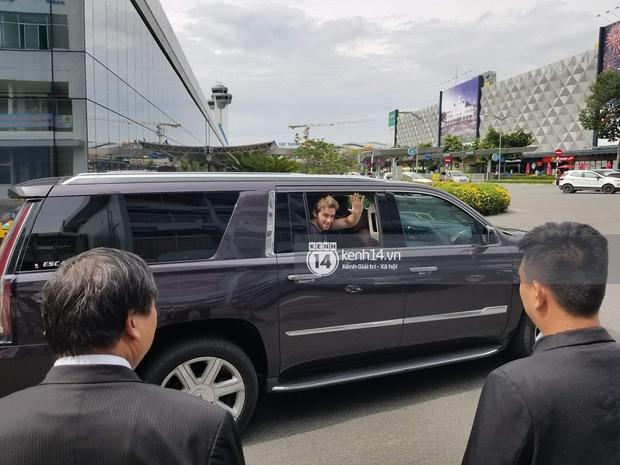 Độc quyền: The Chainsmokers được Phillip đón ngay tại chân chuyên cơ ở Tân Sơn Nhất, thân thiện vẫy tay chào fan Việt - Ảnh 11.
