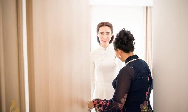 Hé lộ thiệp cưới giản dị của cặp đôi Hoa hậu Đặng Thu Thảo và doanh nhân Trung Tín - Ảnh 5.