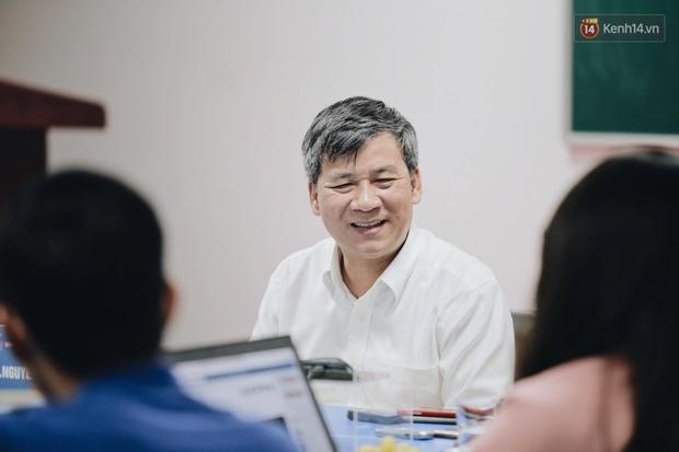 Giáo sư Nguyễn Anh Trí có buổi chia sẻ thân mật và đầy cảm xúc cùng truyền thông (Ảnh: Mai Lân).