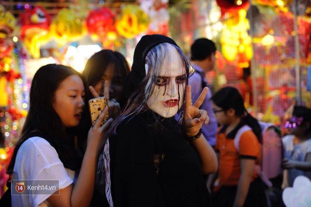 Trung thu vẫn như mọi khi, Hà Nội vui nhất Hàng Mã, Sài Gòn đông nhất phố người Hoa! - Ảnh 7.