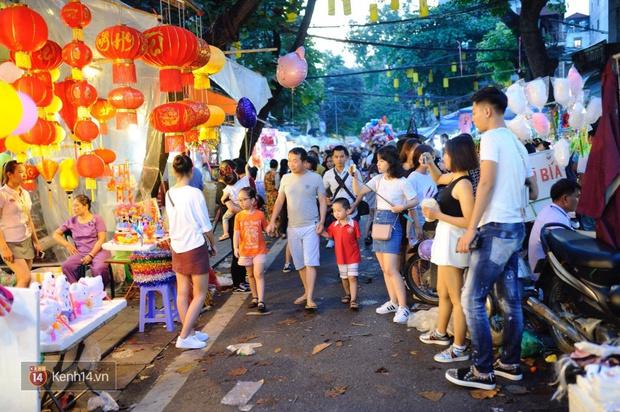 Trung thu vẫn như mọi khi, Hà Nội vui nhất Hàng Mã, Sài Gòn đông nhất phố người Hoa! - Ảnh 2.
