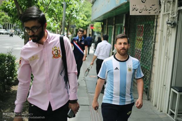 Xuất hiện bản sao giống hệt Messi từ râu đến tóc - Ảnh 6.