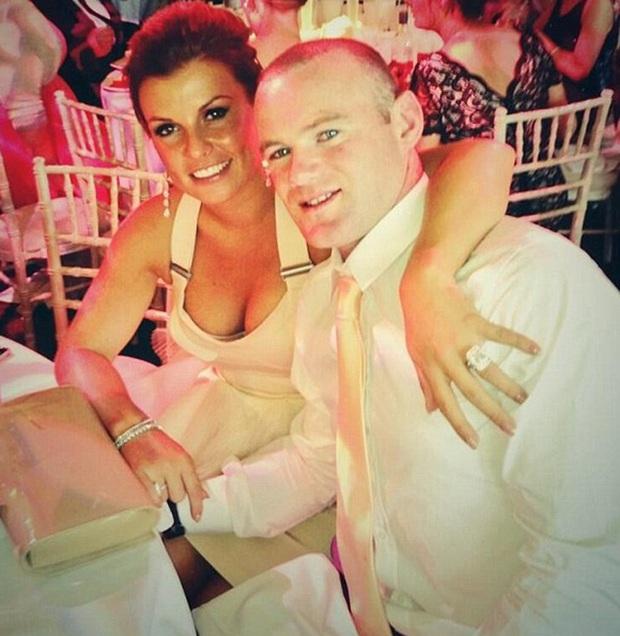 Thua bạc số tiền lớn, Rooney bị vợ Coleen cấm sang Trung Quốc chơi bóng - Ảnh 2.