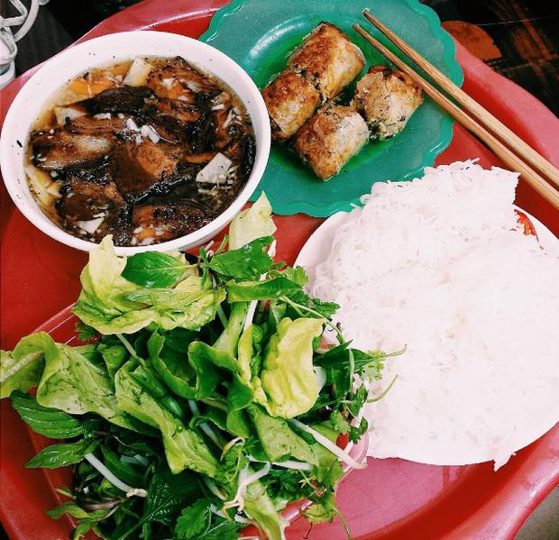 10 món ăn đường phố Việt Nam được CNN hết lời khen ngợi - Ảnh 6.