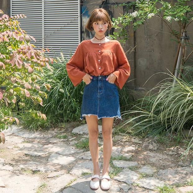 Đi học cũng nên diện đồ thật xinh, và đây là 5 kiểu áo sơmi xinh nức nở cho các nàng mùa Back To School - Ảnh 10.