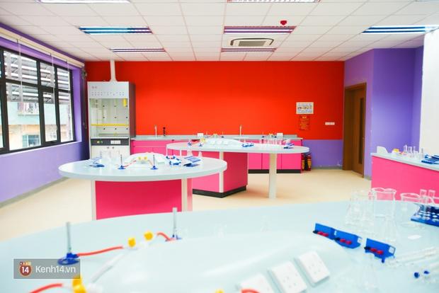 Du học tại chỗ ở Hà Nội tại ngôi trường mới toanh, sang xịn và toàn màu hồng! - Ảnh 18.