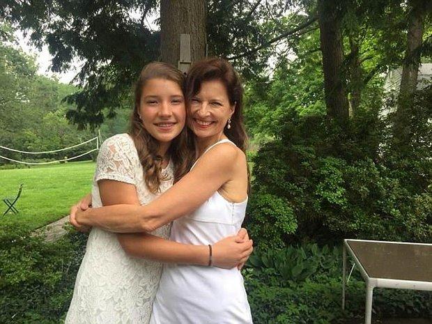 Từ chối hóa trị cho con gái mới sinh bị ung thư bạch cầu, người mẹ khóc òa khi nhận được cái kết - Ảnh 3.